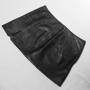 Dresses & Skirts - 🔥Vtg Black Leather Mini Skirt🔥